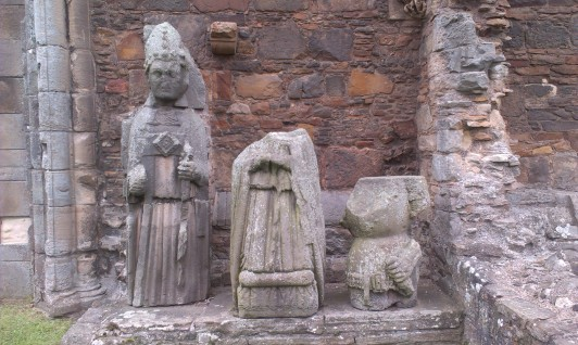 Effigies, Elgin Cathedral